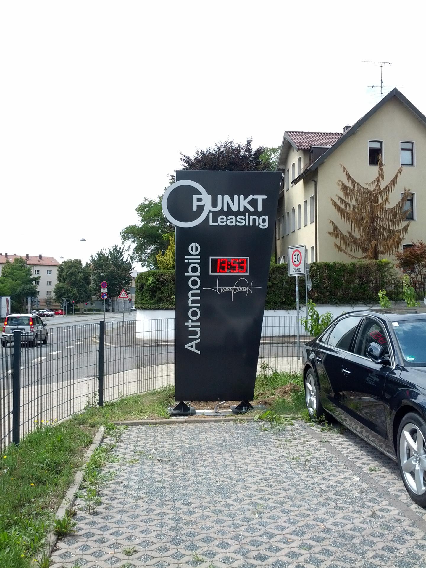 Pylone mit digitaler LED Anzeige